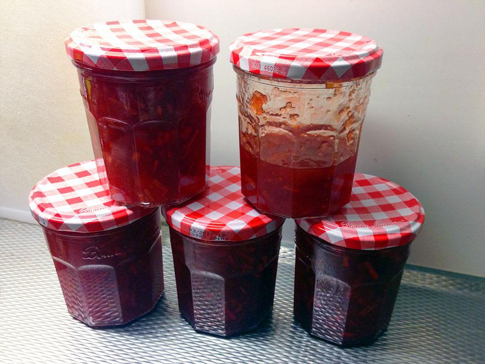 mosterdgeel-aardbeien-appel-abrikozen-jam